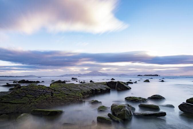 海边的石头特写